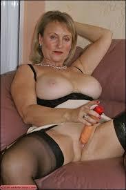 Mature big tits dildo
