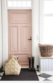 puerta interior color rosa cuarzo color pantone 2016