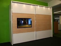 Kleiderschrank Fernseher Im Kleiderschrank Integriert