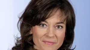 Seit 1999 moderiert sie ihre sendung. Zdf Karriere Maybrit Illner Die Frau Von Heute Medien Sz De