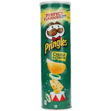 Pringles Cheese und Onion Stapelchips Käse |
