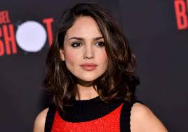 Eiza González Biography, Age, Husband, Timothée Chalamet, Net Worth | virgiwiki.com