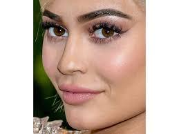 худший макияж бровей неудачная коррекция и форма бровей фото