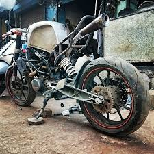 yamaha 350. customised-modified-yamaha-rd-350-ktm-duke-390-flying-sikh (2) yamaha 350
