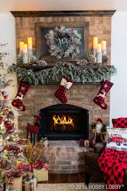 Christmas Decor / Cozy cabin charm meets traditional holiday by coupling  warm and rustic accent pieces with elegant Christmas decor.