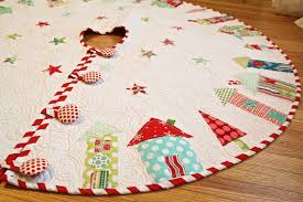 Christmas Tree Skirt Pattern Fascinating TGIFF The One Where I Actually Finish The Tree Skirt