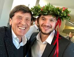 Cantante, musicista, attore, uomo di spettacolo. L Orgoglio Di Nonno Gianni Morandi Su Instagram Suo Nipote Paolo Antonacci Si E Laureato La Repubblica
