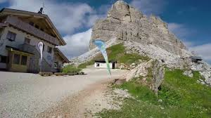 Dal Passo Falzarego al Rifugio Nuvolau - Dolomiti - 7 Settembre 2016 -  YouTube