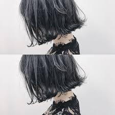 デザインで見せるハイライトで立体感のあるヘアカラーにコラム