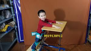 ghế tập đứng cho trẻ bị bại não