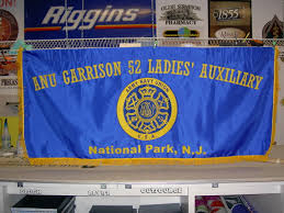 Parade Banner Design Signarama Anu Appliqued Parade Banner Emblem Image Proview