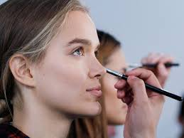 makeup mistakes ruining foundation doing makeup model applying your s in