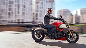 Ducati has gone the extra mile to ensure that the updated diavel is the ultimate muscle cruiser. Ducati Diavel 1260 The Maxi Naked Powerful And Muscular