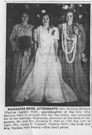 Pauline Holt Barbara wedding photo with sisters Valerie and Nardess -  Newspapers.com