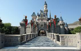 An Exhaustive Guide To Visiting Hong Kong Disneyland