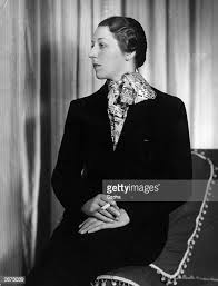 3,053 Amy Johnson Photos and Premium High Res Pictures - Getty Images