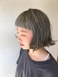 ぱっつんショートボブ ブリーチオンカラー グレーシルバーhair