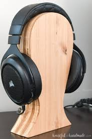 close up of the plywood striping on the side of the diy headphone stand