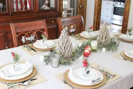 Decorating Your Dining Room Table For Christmas