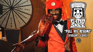 G-Mo Skee responded in 6 hours pulling many skeletons out Violent J's  closet, effectively pulling his resume.