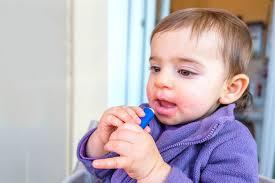 how to choose a non toxic lip balm 3