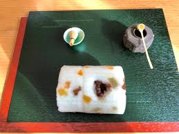 Sakura mochi (cherry blossom sweet rice kakut) mochi girl's day, hinamatsuri. Paprika Girl Twitterissa This Is A Lovely Remarkable Awa Mochi Roll Cake That Was Presented To Guests At Today S Christmas Eve Party The Lovely Writing On The Box Simply Reminds Me To Eat