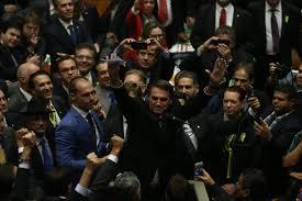 Bolsonaro já opera em modo impeachment - 27/04/2020 - Vinicius Mota - Folha