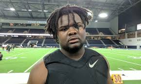 Amite La Defensive Lineman Ismael Sopsher Feasting At The Opening Gorgeous Me Too Anta Amite