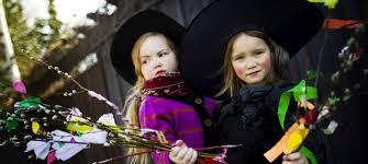 """Képtalálat a következőre: """"finn gyerekek beöltöznek húsvétkor"""""""
