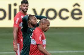 Palmeiras cai nos pênaltis diante do CRB e está fora da Copa do Brasil -  09/06/2021 - UOL Esporte
