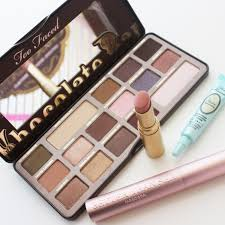 how to use the too faced chocolate bar