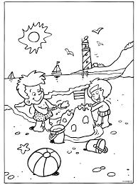 Kleurplaat Heerlijk Spelen Op Het Strand Kleurplatennl Zomer