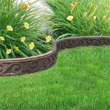 1 22m recycled rubber lawn edging