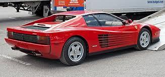 Die f 512 m kann man unterscheiden durch die mit glas abgedeckte scheinwerfer und der subtil modifizierte rückseite. Ferrari Testarossa Wikiwand