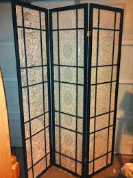 repurposed japanese screen room divider and old lace tablecloths e25 japanese