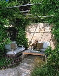 easy backyard decor project