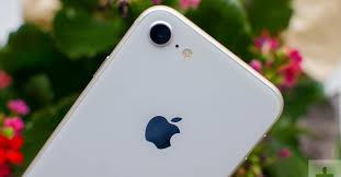 <b>Apple iPhone 8</b> Review: Is <b>Apple's</b> Most Affordable iPhone Worth ...