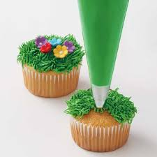 Decorating With Green How To Make Icing Turn Dark Green Blue Desserts Holidays And Cake