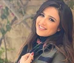 """يلفت الانظار..تعليق ياسمين عبدالعزيز بكلمة""""وداعا"""""""