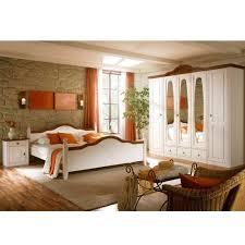 Landhaus Schlafzimmer Obus In Weiß Und Nussbaumfarben Pharao24de