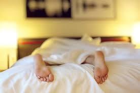 Schlafen Bei Hitze Fünf Tipps Für Erholsamen Schlaf Im Hochsommer