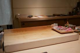 during my early ventures into san mateo and neighboring cities i ran across gintei a modestly sized sushi restaurant this was several years ago and at