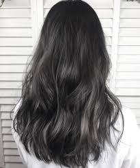 光に当たると透けちゃうダークグレージュ 学校職場で髪色明るく