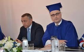 """Milionarul - mason Alexandru Cumpănașu, candidatul """"anti-Sistem"""", a câștigat salarii uriașe de pe urma Sistemului. Cum a ajuns un personaj fără facultate să fie șeful tuturor rectorilor din România și să câștige"""