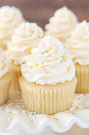 Easy Vanilla Cupcake Recipe Moist Fluffy Vanilla Cupcake