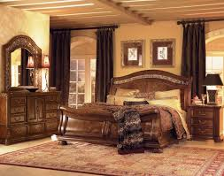 White traditional bedroom furniture Mansion Off White Bedroom ...