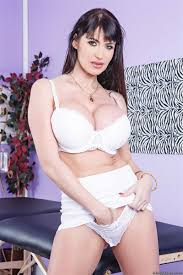 Eva Karera gets nailed in white lingerie by her masseur Brazzers.