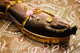 Bengali Totto Designs Bengali Wedding A Large Size Rohu Fish Is Decorated As A