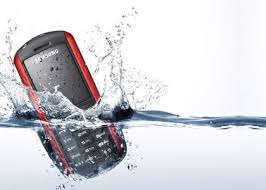Tips Cara Mengatasi Handphone (HP) yang Terkena Air KLU IC