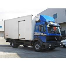 Available in weights starting from 18 tonnes, it is powered by a straight 6 cylinder diesel engine with turbocharger and intercooler. 1996 Mercedes Benz 1834 17420 P E